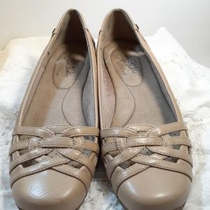 Life Stride Soft System Beige Tan Shoes 8.5